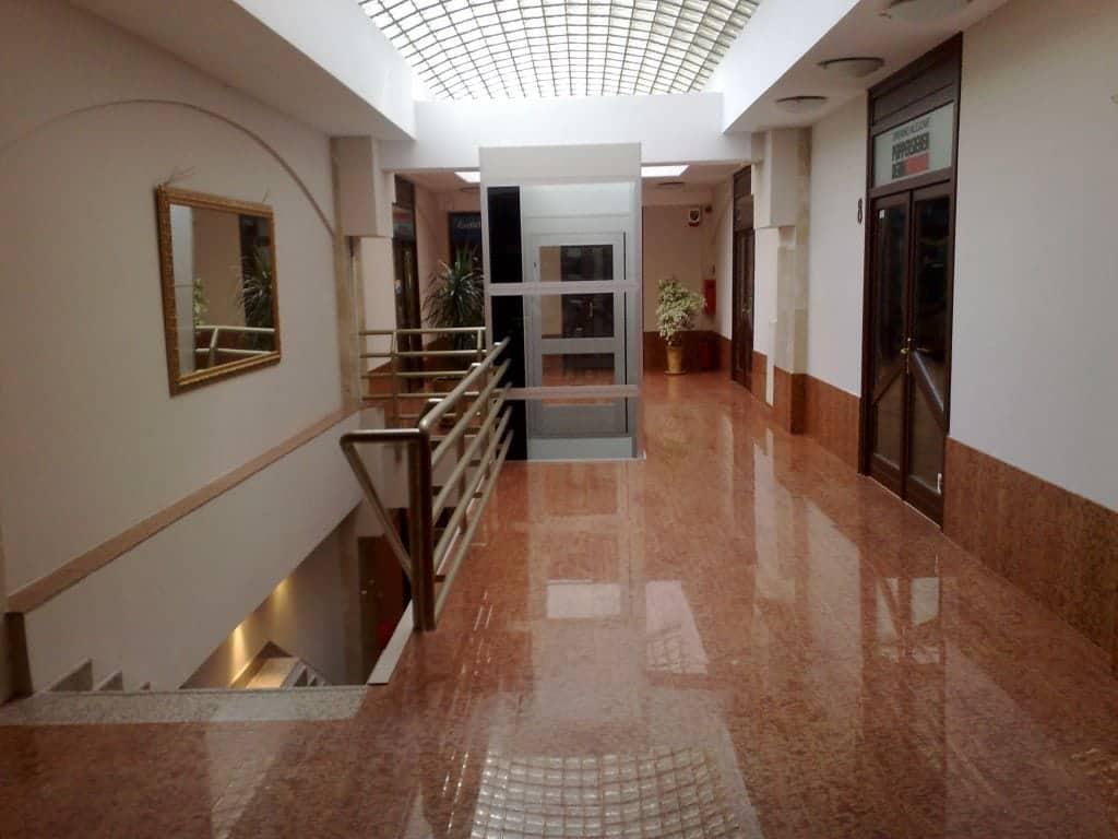 Pavimento Rosso Lucido : Pavimento in marmo arabescato carrara formato cm 40x40 finitura